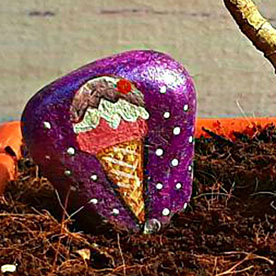 Snow Ice-cream, Pebble Art Handcrafted Garden and Room Décor for Home by NationBloom